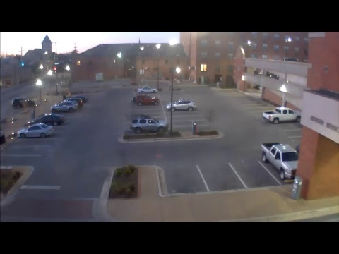Live-Cam: USA - Auburn - Alabama - Gay St Parking  ...