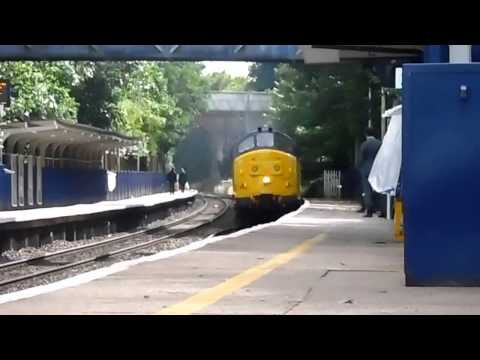 Colas Rail 37219 & Network Rail DBSO 9714 passing Reading...