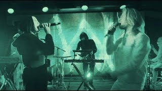 Video Alan Walker - All Falls Down (Live Performance at YouTube Space NY with Noah Cyrus & Juliander) MP3, 3GP, MP4, WEBM, AVI, FLV Juni 2018