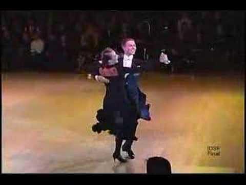 Квикстеп, показательный танец исполняют Arunas Bizokas & Edita Daniute