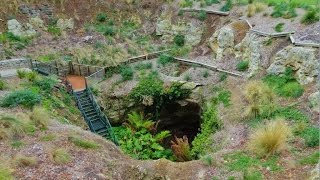 Mount Gambier Australia  City pictures : Australian Sinkholes. Mount Gambier Attractions