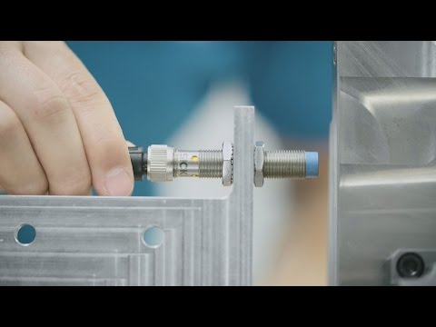 The reliable solution for the machine tool industry - IMB inductive proximity sensor | SICK AG