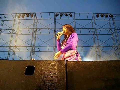 คอนเสิร์ตต่าย อรทัย FM95 1/05/2553.AVI