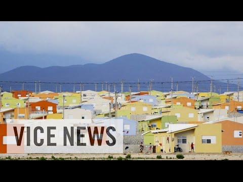 Lake - Subscribe to VICE News here: http://bit.ly/Subscribe-to-VICE-News After seeing the devastation Lake Enriquillo's massive growth has inflicted on the region, VICE News meets residents who have...