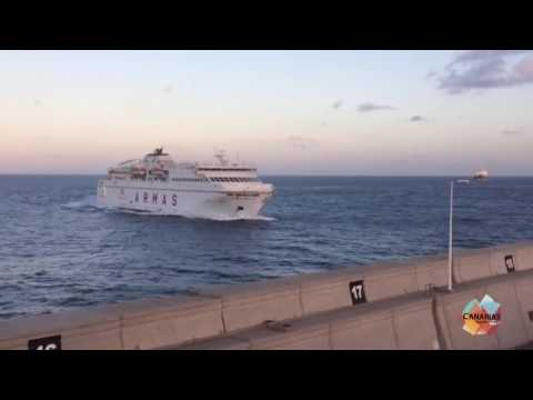 Ferry Crashes Into Harbour Wall