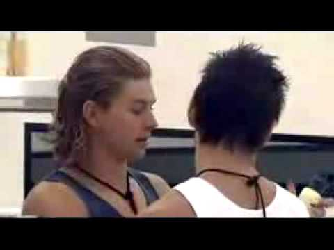 BB06 - Michael and David - Kiss or No Kiss?