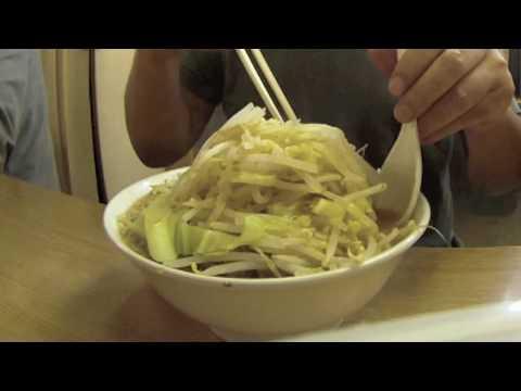 「人気のラーメン店「ラーメン二郎」のラーメンを『ニンニク・野菜』で食す。」のイメージ