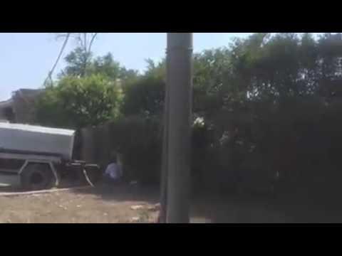 شاهد بالفيديو سياره شركه مياه الشرب تروي الزرع لأحد الفيلات علي طريق المريوطيه سقاره