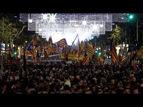 Με διαδηλώσεις απάντησαν στον Σάντσεθ οι πολίτες της Βαρκελώνης…