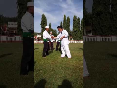 gratis download video - Perbedaan-Tenaga-Dalam--Hipnotis-Dan-Ilmu-Batin-Di-Peragakan-Oleh-Silat-Tauhid-Indonesia