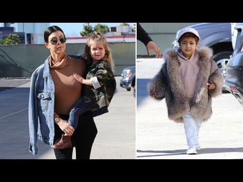 Miss North West Wears A Fur Coat To Meet Her Cousins (видео)