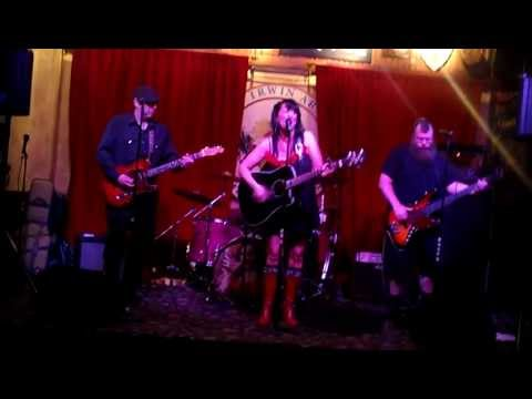 "Raven and the Blackbirds - ""He Said He Loves Me"""