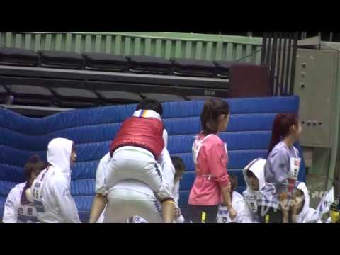 [fancam] 110123 Mir Doing Squats While Piggybacking Minho At Idol Sports Championship