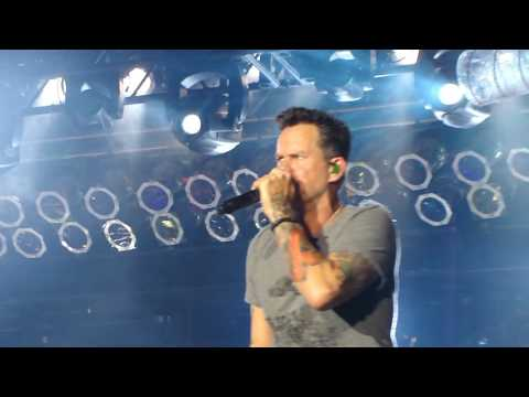Gary Allan Watching Airplanes