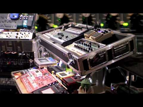 Muzik 4 Machines - Run and Hide - Live Minimal techno 2009