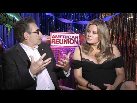 Eugene Levy & Jennifer Coolidge talk American Reunion - JoBlo.com