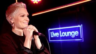Jessie J - I Knew You Were Trouble (Taylor Swift) in the Live Lounge