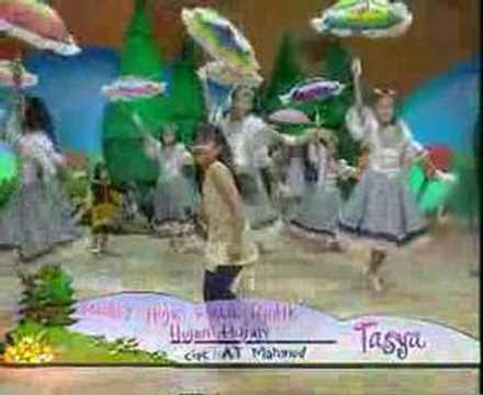 Video Hujan Rintik  - Tasya download in MP3, 3GP, MP4, WEBM, AVI, FLV February 2017