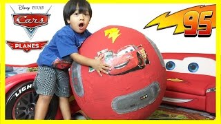 Video GIANT Lightning McQueen Egg Surprise with 100+ Disney Cars Toys MP3, 3GP, MP4, WEBM, AVI, FLV Oktober 2018