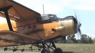 Video Antonov An-2 - engine start (awesome sound!) MP3, 3GP, MP4, WEBM, AVI, FLV Agustus 2019