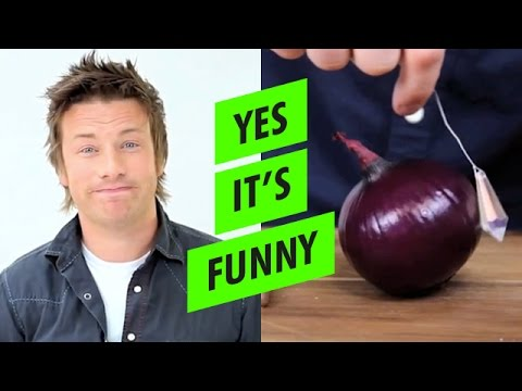 Jamie Oliver Shows Us An Unconventional Way To Chop Onions While Knocking Gordon Ramsay