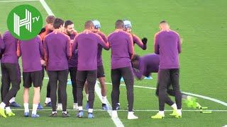 Download Video Manchester City v Shakhtar Donetsk | Manchester City train ahead of crucial Champions League clash MP3 3GP MP4