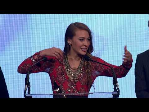 Lauren Daigle Wins New Artist of the Year