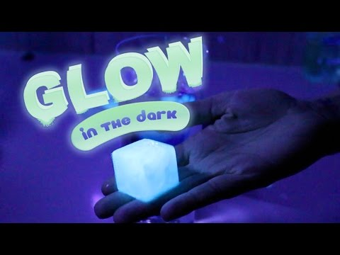 DIY GLOW IN THE DARK ICE CUBES!! EDIBLE AND EASY