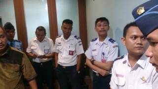 Download Video Kasus pembatalan penerbangan maskapai Lion Air MP3 3GP MP4