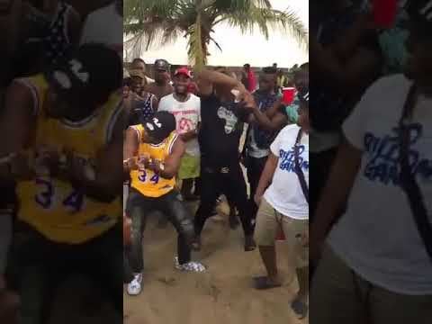 Slimcase Wow Davido With His Street Attitudes While On Set Shooting Shepeteri Video With Idowest