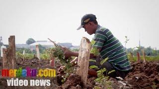 Video Kisah Tukang Gali Kubur Mayat-Mayat Tanpa Identitas MP3, 3GP, MP4, WEBM, AVI, FLV Agustus 2018