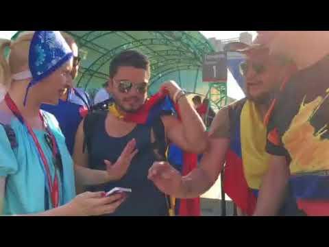 На самарском вокзале приехавших на матч колумбийцев встречал русский медведь
