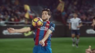 اعلان اتصالات مع لاعبي برشلونة