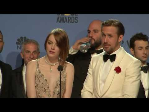 Ryan Gosling, Emma Stone & La La Land - Golden Globes 2017 - Full Backstage Interview (видео)