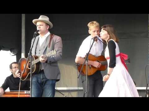 John C. Reilly - http://www.concertconfessions.com for all your concert review and video needs!