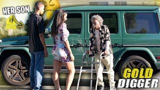 Video G0LD D1GGER P.R.A.N.K ON A MOM DISGUISED AS AN OLD MAN (her son was not having it) MP3, 3GP, MP4, WEBM, AVI, FLV September 2019
