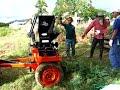 การย่อยกิ่งไม้ ใบไม้ โดยใช้เครื่องสับย่อยอเนกประสงค์ (ขนาดกลาง) รุ่นติดท้ายรถไถเล็ก เครื่องสับย่อยอเนกประสงค์ เครื่องย่อยปุ๋ยพืชสดและเศษพืช รุ่น 2EMH T1S - ส...