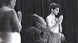 Opening chant Guruji & Sharath