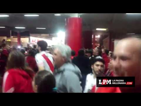 Los festejos en el hall del Monumental - Los Borrachos del Tablón - River Plate