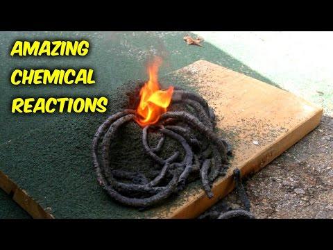 他將粉末加到木板上燃燒 幾分鐘後可怕的事出現了