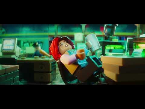 Behind the Bricks - Featurette Behind the Bricks (English)