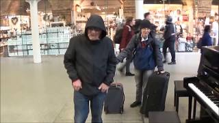 Video POOR OLD MAN PLAYS AMAZING EXCITING PIANO IN MALL MP3, 3GP, MP4, WEBM, AVI, FLV Januari 2019