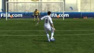 Кручёный удар Кака в FIFA 11