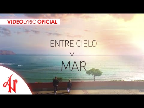Adexe y Nau -  Es Amor (Lyric Video)