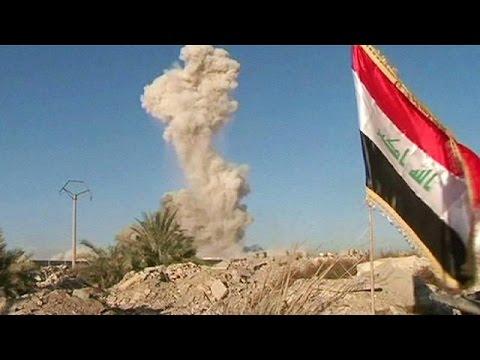 Στα ερείπια του Ραμάντι κυματίζει και πάλι η σημαία του Ιράκ
