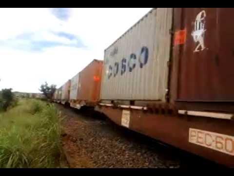 Estrada de Ferro - Locomotiva da FCA em Silvânia Goiás