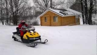2. Снегоход BRP Ski-Doo Tundra LT 550 прыжки