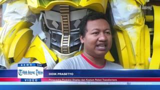 Video Robot Transformer Berjalan di Perkampungan Tengaran Hebohkan Warga MP3, 3GP, MP4, WEBM, AVI, FLV September 2018