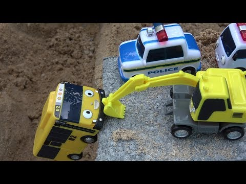 Lani Tayo the Little Bus toy accident & Excavators, Ambulance, Police car rescue toys play
