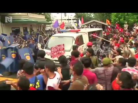 Protesters hurt in Philippines anti US rally